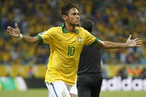 Neymar vai na contra-mão e marcou seus três gols antes dos 10 minutos  iniciais Neymar é o melhor jogador ... 2c1618909afc1