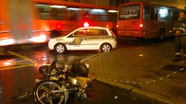 acidente-moto-bi-27082013