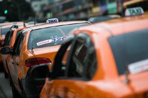 licitacao-taxi-curitiba-280813