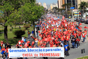 manifestação-professores-300813-bandab