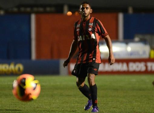 Deivid está de volta e é mais uma opção para o meio defensivo (Foto: Divulgação/Atlético)