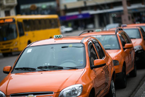 táxis-110913-bandab