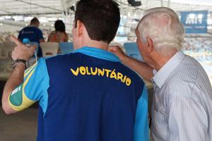 voluntarios-copa-270913-bandab