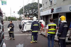acidente-capotou-010114-bandab