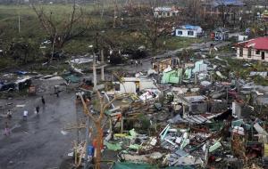 furacao-haiyan-060114-bandab