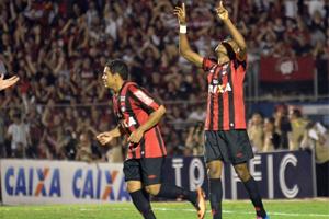 Dupla Ederson-Marcelo é a esperança de gols do Furacão mais uma vez (Foto: Divulgação/Atlético)