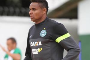 Jajá vem se preparando e pode ficar à disposição contra o Cene (Foto: Divulgação/Coritiba)