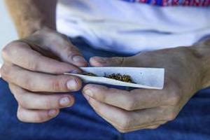 fumar-maconha-230414-bandab