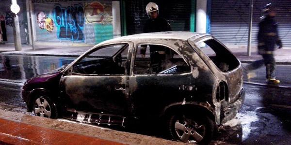carro-incendiado-100514-bandabfora