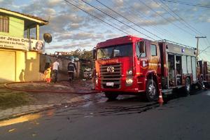 incendio-colombo-fora-020814-bandab