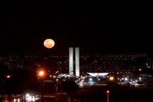 Em seu momento mais próximo da Terra, Lua terá aparência maior e mais brilhante (Foto: Rafael Holanda Barroso/Fickr/Creative Commons)