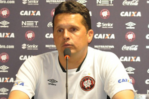 Treinador quer semana cheia para treinar equipe e poder de fato evoluir (Foto: Divulgação/CAP)