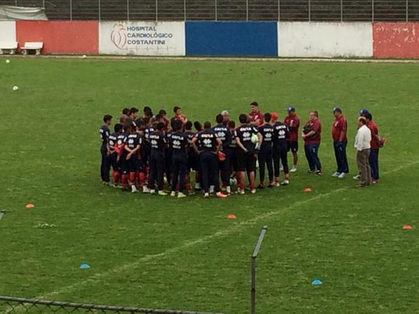 Ricardinho venceu apenas uma partida de cinco desde que chegou ao Tricolor (Foto: Monique Vilela/Banda B)