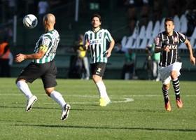Coxa e Corinthians empataram em 0 a 0 no primeiro turno. (Divulgação/Coritiba)