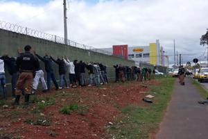 Torcida coxa-branca em São José (Foto: Divulgação PMPR)