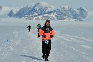 Marcelo Alves foi o primeiro brasileiro a correr nos dois extremos da Terra. (Divulgação)