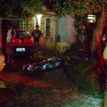 Jovem é vítima de tocaia e acaba assassinado no portão de casa em Colombo
