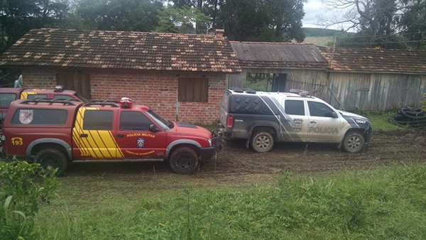 A polícia prendeu o padrasto na quinta-feira (Foto: Antônio Nascimento - Banda B)