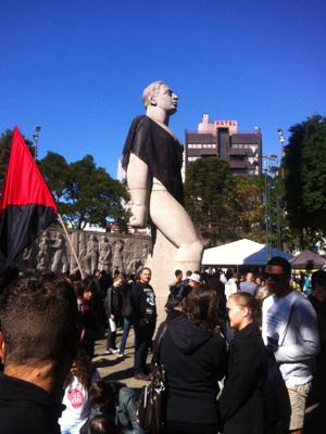 Estátua do homem nu foi coberta de preto – foto djalma malaquias