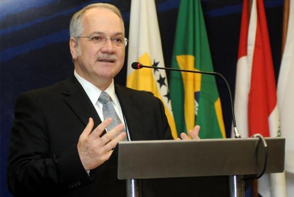 Jurista Luiz Edson Fachin é o quinto ministro indicado por Dilma Rousseff para o STF Divulgação/TJPR