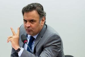 O presidente do PSDB, Senador Aécio Neves, participa de audiência para discutir os sistemas eleitorais e financiamento de campanha com os presidentes de partidos políticos brasileiros (Marcelo Camargo/Agência Brasil)