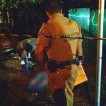"""Rapaz é morto a tiros no meio da rua e vizinhos se revoltam: """"Era uma pessoa de bem"""""""