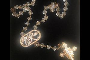 772424f24 MC Gui compra cordão de terço por R$ 35 mil: 'Ouro com diamantes ...