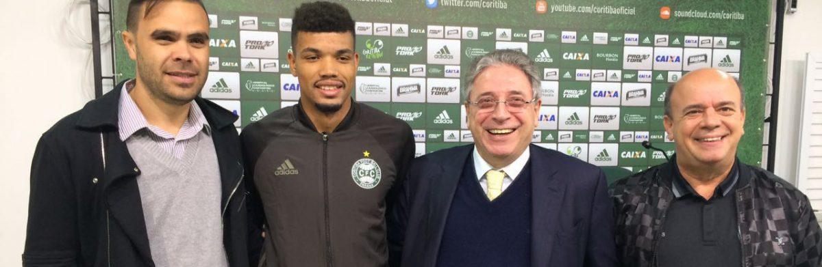 Juninho fica no Coritiba. (Osmar Antônio/ Banda B)