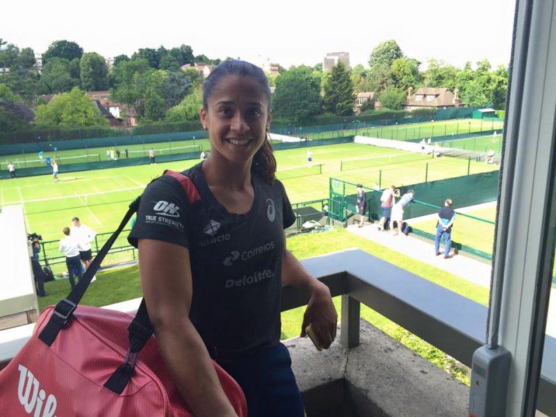 Teliana Pereira encara Varvara Lepchenko pela primeira vez na carreira. (Reprodução/Facebook)