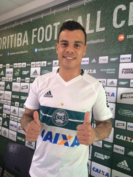 Bernardo vestirá a camisa 32 do Coritiba. (Osmar Antônio/Banda B)