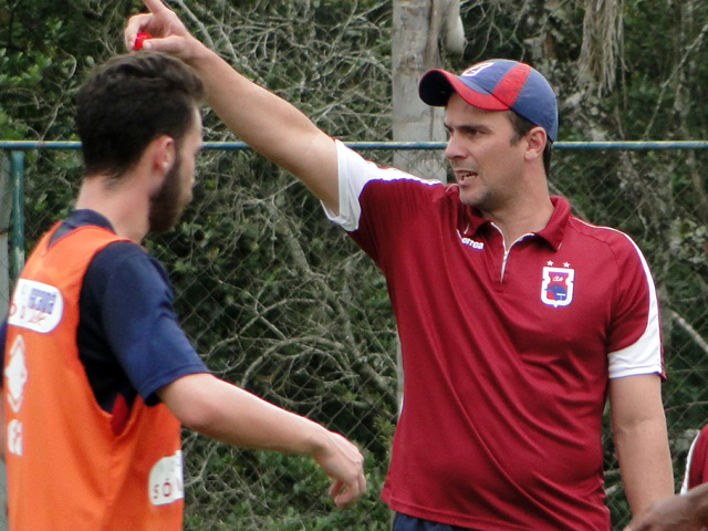 Fernando Miguel treinará o Paraná na partida contra o Goiás. (Monique Vilela/Banda B)