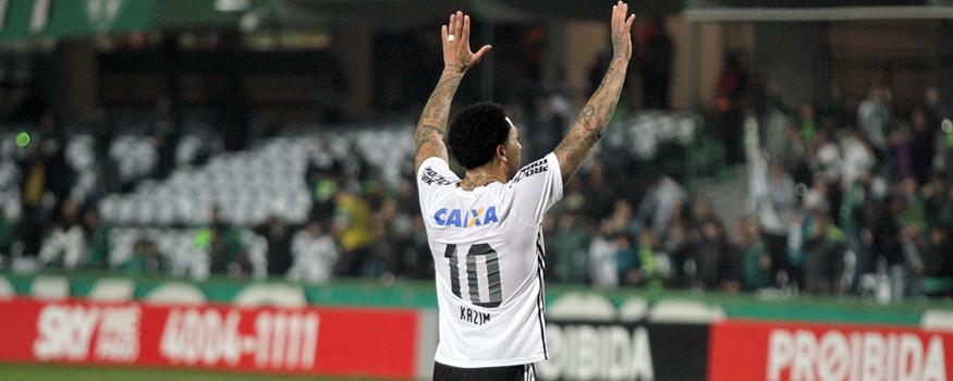 Kazim foi decisivo no Atletiba. (Divulgação/ Coritiba)