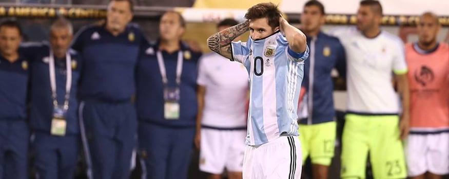 Messi afirma se retirar da seleção. (Facebook/ AFA)