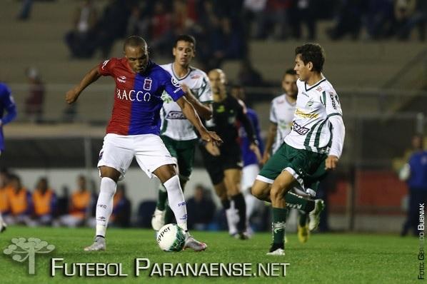 Paraná perdeu de virada. (Geraldo Bubniak/ futebolparanaense.net)