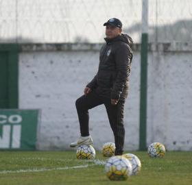 Pachequinho afirma que o Coxa não pode repetir o mesmo desempenho contra o Inter. (Divulgação/Coritiba)