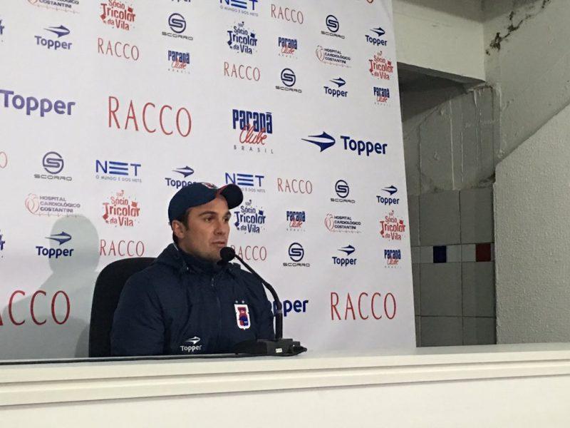 Fernando Miguel ainda não sabe se será o treinador na próxima rodada. (Monique Vilela/Banda B)