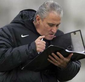 Tite terá a responsabilidade de classificar o Brasil para a próxima Copa. (Divulgação/Corinthians)