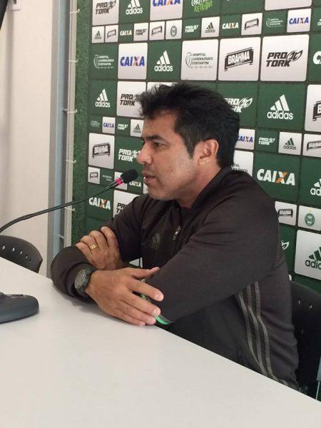 Robson Gomes explicou o motivo para a demora dos retornos de Ceará, González e Benitez. (Osmar Antônio/Banda B)