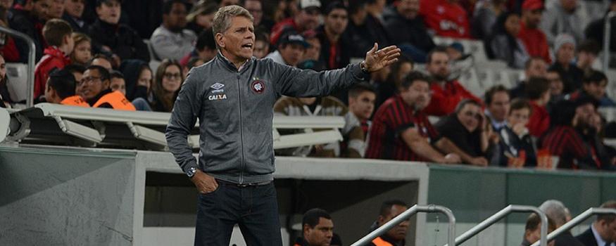 Autuori quer time mais regular. (Divulgação/ Atlético)