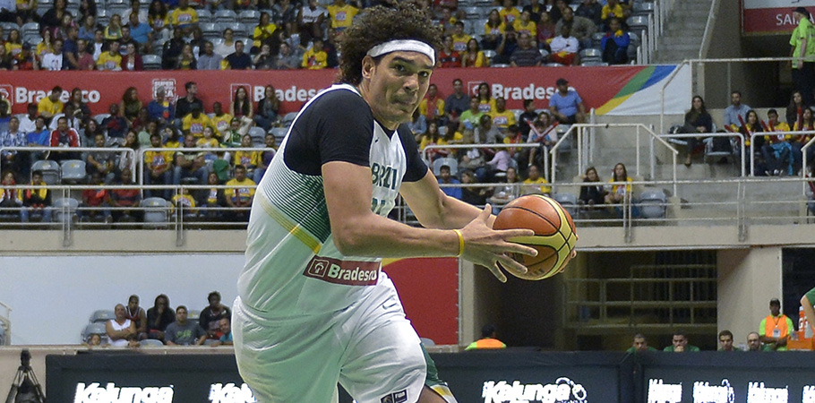 Anderson Varejão foi cortado com lombalgia. (Divulgação/CBB)
