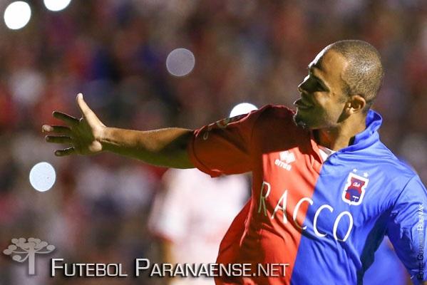 Paraná venceu o Bragantino fora. (Geraldo Bubniak/ futebolparanaense.net)