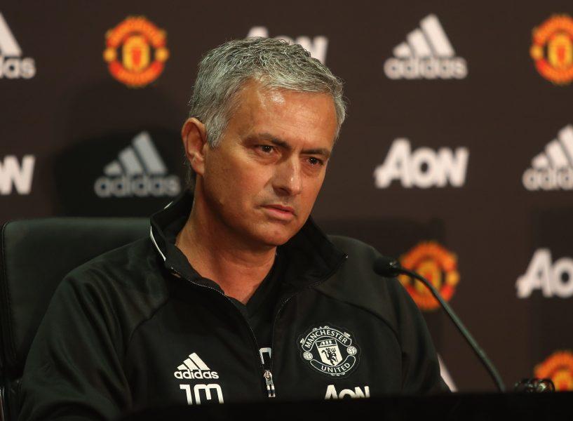 Mourinho começa o trabalho no United. (John Peters/ Man Utd/ Getty Images).