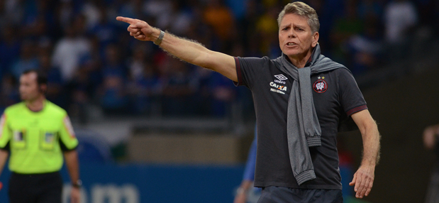 Paulo Autuori entende que precisa melhorar construção das jogadas. (Divulgação/ Atlético)