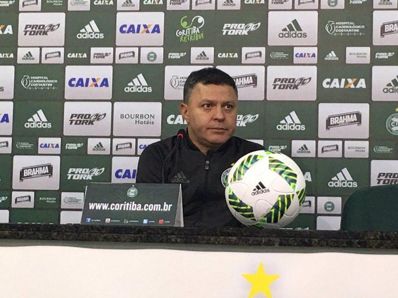 """Pachequinho cobrou vitória """"o mais rápido possível"""" do Coritiba. (Monique Vilela/Banda B)"""