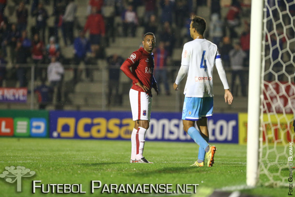 Robert ainda não marcou gols pelo Paraná. (Geraldo Bubniak/Futebolparanaense.net)