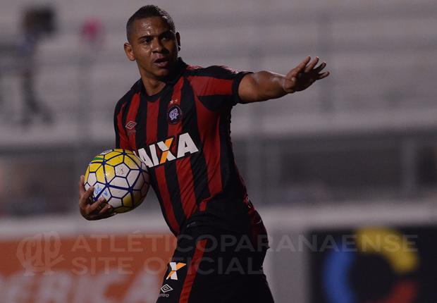Walter teria pedido para voltar ao Goiás. (Divulgação/ Atlético)