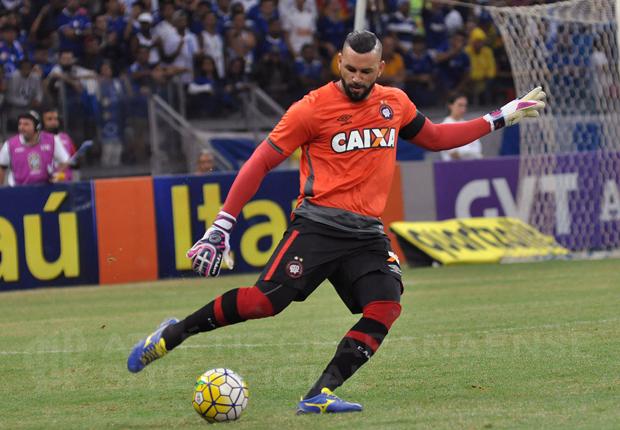 Weverton é um dos nomes especulados para substituir Fernando Prass. (Divulgação/Atlético)