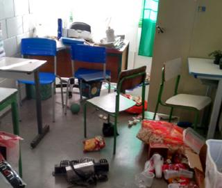 escola-invadida-sjp2