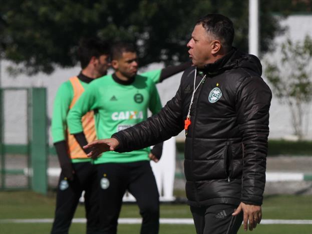 Trabalho de Pachequinho vem sendo aprovado pelo elenco do Coritiba. (Divulgação/Coritiba)