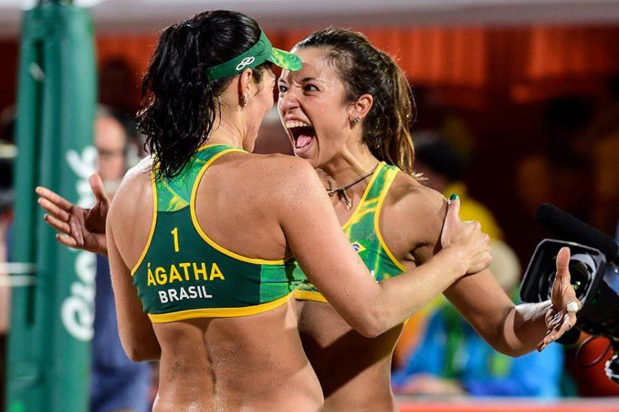 Ágatha e Bárbara perderam apenas uma partida na Olimpíada. (Divuglação/CBV)